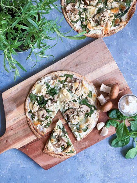 Tortillia pizza med Frijsenborg kylling og svampe
