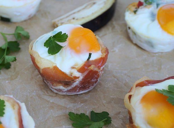 Frijsenborg æggemuffins med kylling og serrano
