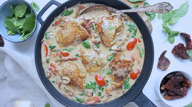 Frijsenborg kyllingeoverlår med soltørrede tomater og spinat