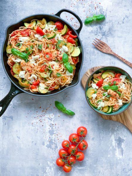 Spaghetti med kylling og grøntsager