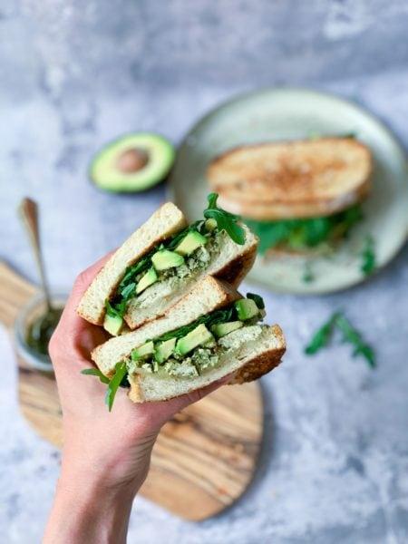 Frijsenborg toast med kylling og avocado