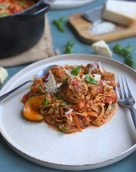 Frijsenborg one pot pasta med kødboller